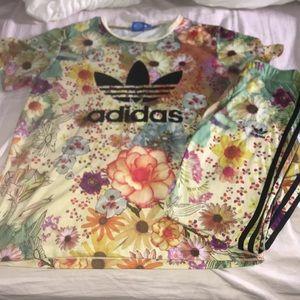 Floral adidas set